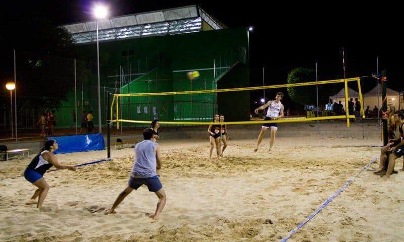 pistas de deporte de playa en pinto